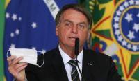 Bolsonaro confirma Auxílio Brasil em R$ 400 e promete não furar teto de gastos