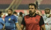 Após dois meses no cargo, Ramon Menezes é demitido do Vitória